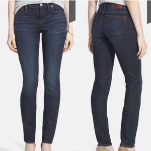 Madewell Alley Straight leg dark wash jeans B1555